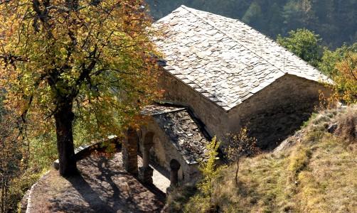 Chiesa di San Bernardino a Triora dall'alto