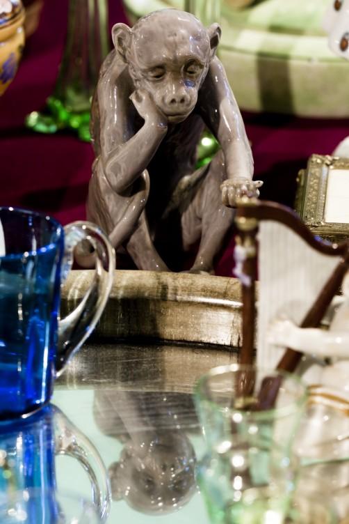 Antiquaria, mercatino dell'antiquariato ad Imperia - scimmia