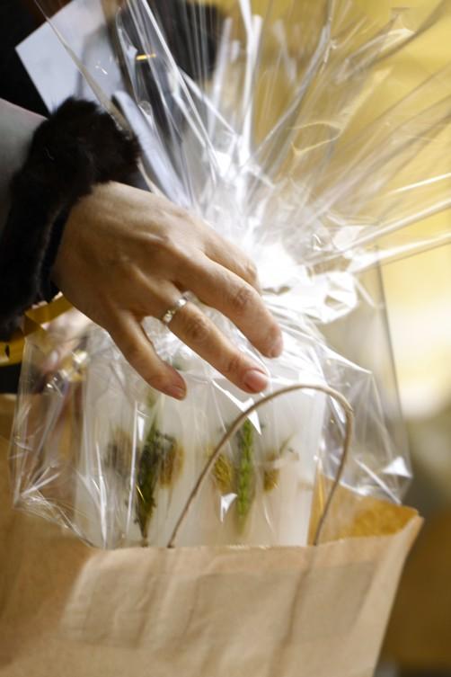 Candela e fiori nel pacchetto- Mercatino di Natale