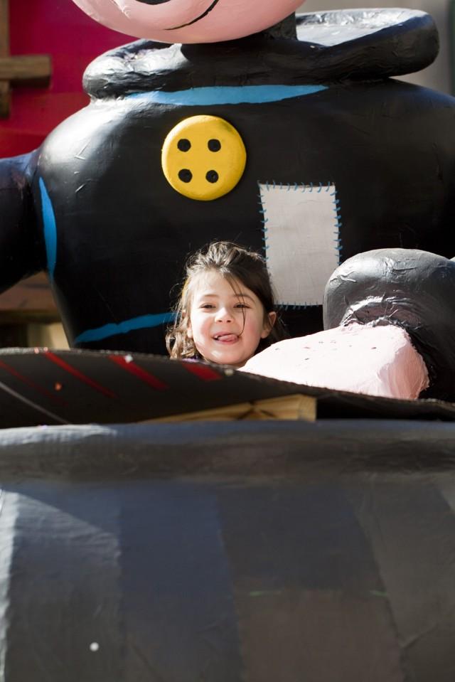 Carnevale Dianese 2012 - Diano Marina - Bimba nel calderone