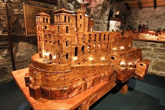 Ricostruzione in legno del Castello dei Doria, nel Visionarium di Dolceacqua