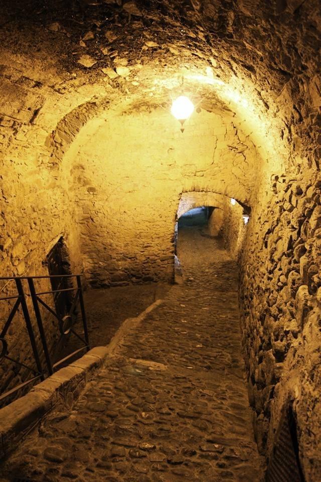 Le scasasse, il più celebre e misterioso carugio di Dolceacqua