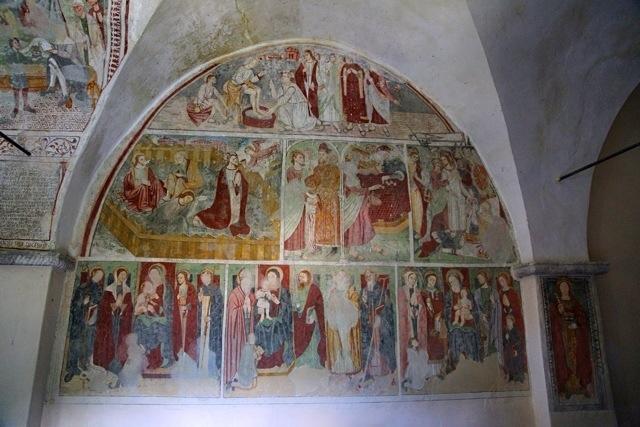 affreschi nella chiesa di Santa Margherita a Mendatica