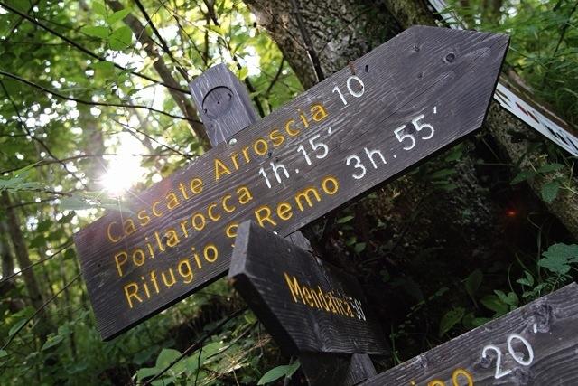 verso le cascate del Torrente Arroscia ed il paese fantasma, Poilarocca