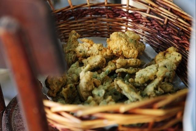 frittelle di erbette a Cosio d'Arroscia per la Festa delle Erbe