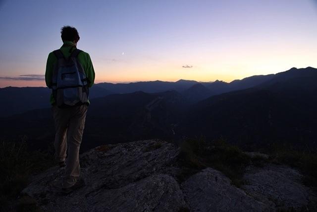 dopo il tramonto sull'Alta Via dei Monti Liguri